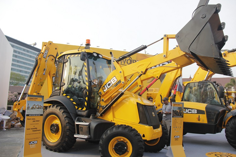 backhoe loader 3CX ECO