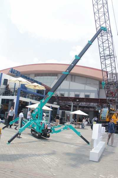 Spider Crane Maeda yang dihadirkan di acara Mining Indonesia 2019 (Dok. EI)