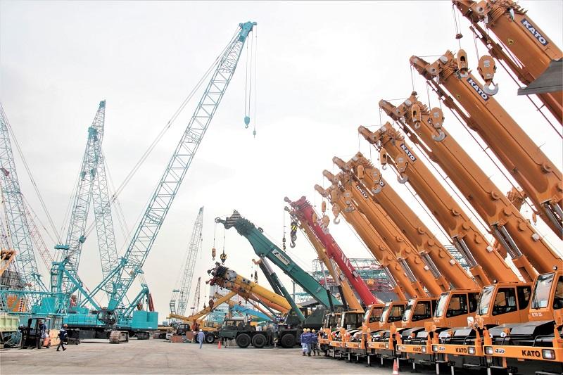 Beragam merek dan tipe crane milik PT Superkrane Mitra Utama yang siap disewakan ke berbagai industry (Dok. EI)