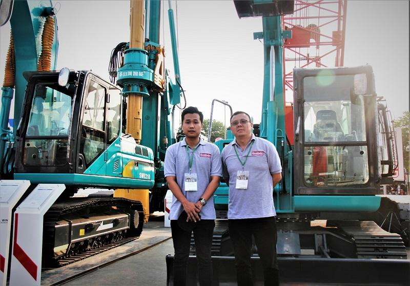 Jeffrilin Kangin selaku Director PT Goal Win Machinery Indonesia (kiri) bersama President Director PT Goal Win Machinery Indonesia Peter Wen Wei (Dok. EI)