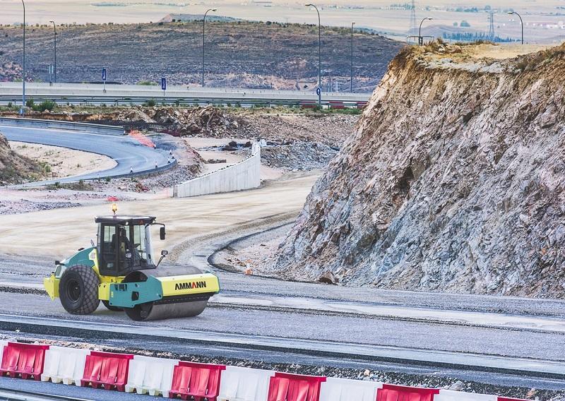 Ammann menawarkan lima mesin pemadat tanah (soil compactor) ARS baru, termasuk satu yang dibuat di fasilitas produksinya di India untuk dipasarkan di negara-negara sedang berkembang (Dok. Ammann)