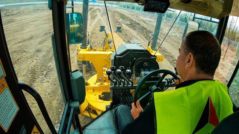 Operator dapat melihat dengan jelas dan leluasa ke area kerja.