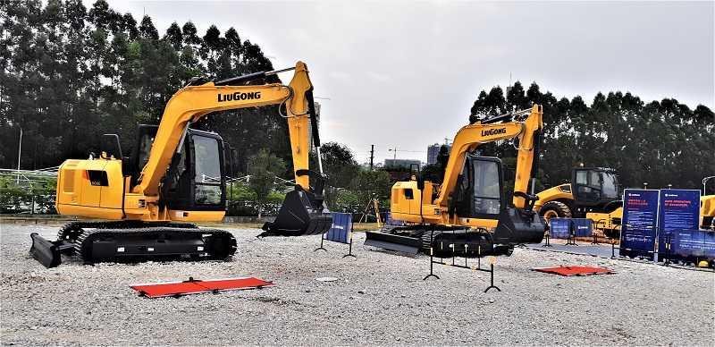 Demo kelincahan mini excavator LiuGong saat Global Customer Day jelang akhir tahun 2019 di Liuzhou, China (DOk. EI)