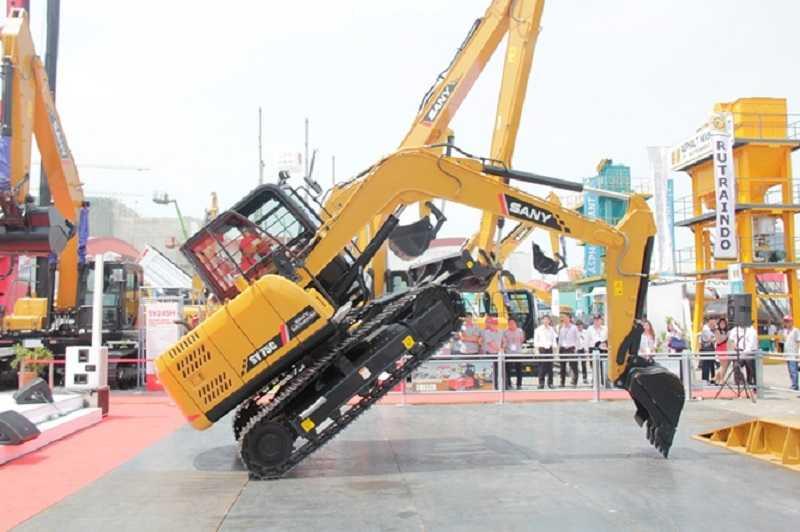 Atraksi Sany mini excavator pada salah satu pameran di Jakafta (EI)