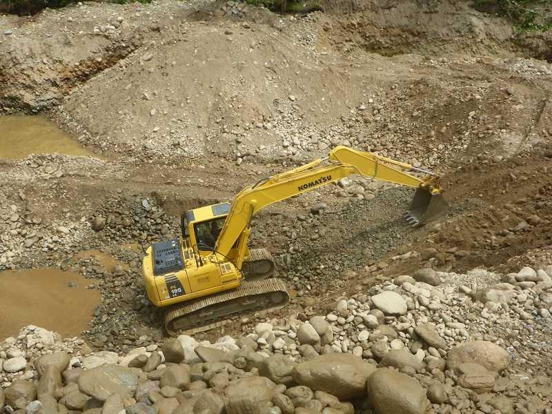 Excavator PC195LC-8