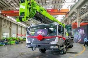 Zoomlion Klaim Truck Crane Elektrik Pertama oleh - jasacranemurah.best