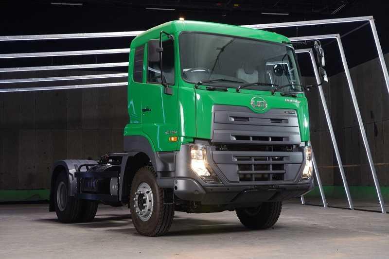 Tractor Head UD Trucks Quester
