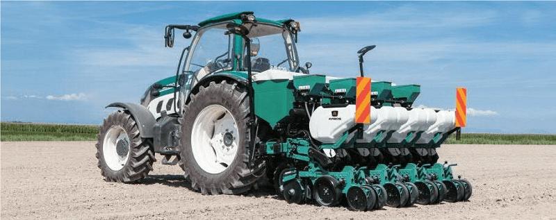 Traktor LOVOL lengkap dengan implementnya (Dok. Kotrack)
