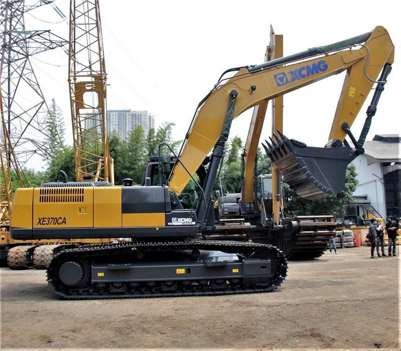 XCMG Excavator XE370CA dengan kapasitas bucket hingga 3,1 m3 yang diklaim sangat ideal untuk pekerjaan pendukung di  pertambangan.